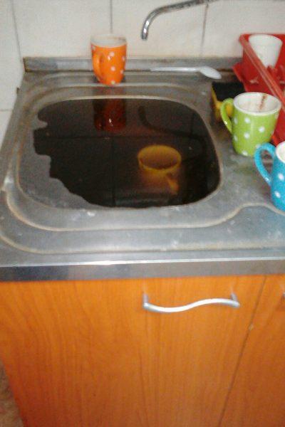 Kako otpušiti sudoperu